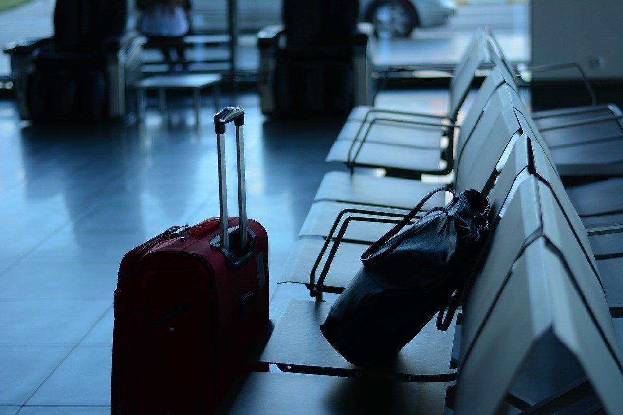 Valise salle d'attente aéroport