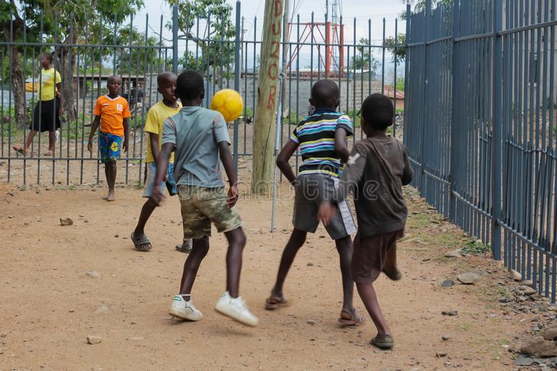 enfants foot niger