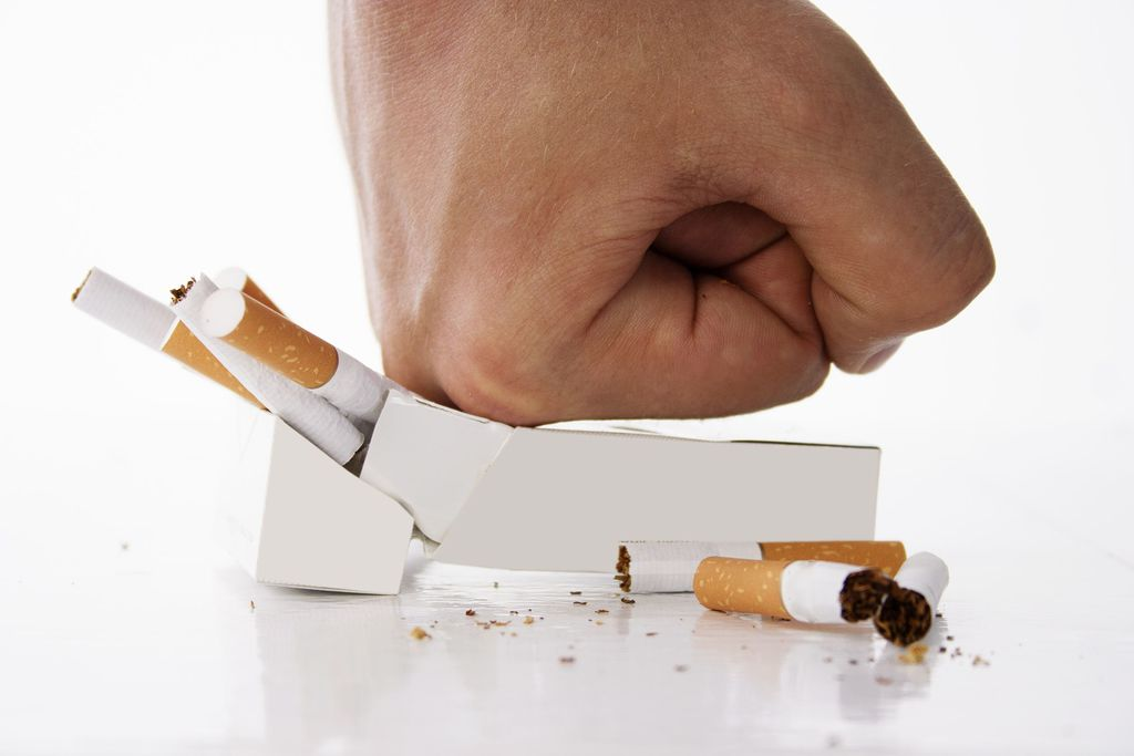 doigt jauni cigarette arrêter