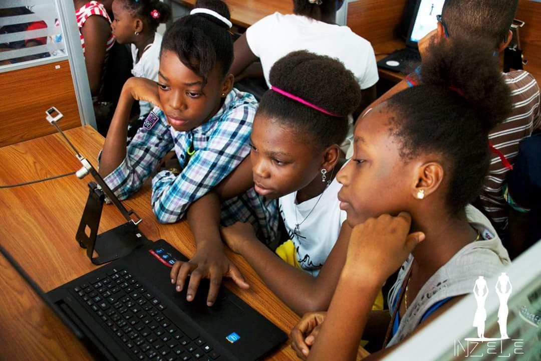 les laboureurs du code sément la graine du numérique en RDC