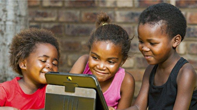 les écrans rendent les enfants betes