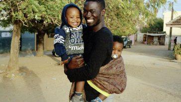 Moulaye producteur de musique et ses enfants Hassan et Malick
