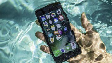 smartphone dans l'eau