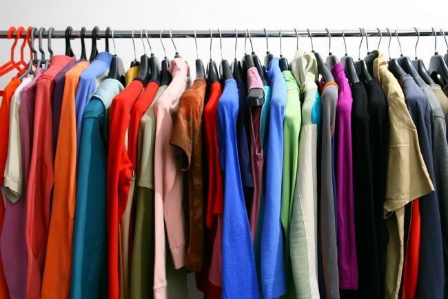 Donner vêtements