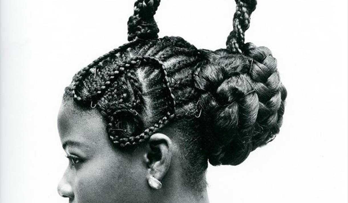 Jd Ojeikere, parmi les dix photographes africains célèbres
